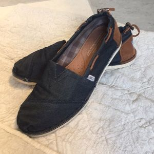 Toms navy slip on shoes